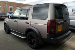 Land Rover Disovery full wrap in 3M matt silver metallic